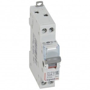 Interruptor seccionador DX³-IS 2P 400 V 32 A 1 módulo.LEGRAND 406434