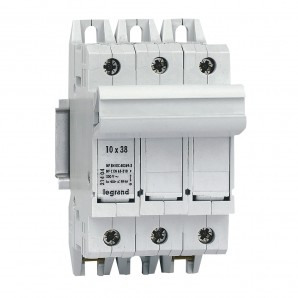 Fuse holder and fuses