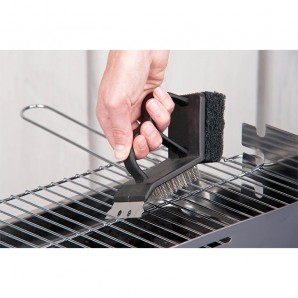 Brush of cleaning for barbecues