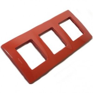 Legrand Niloe - Plate 3 elements red LEGRAND NILOÉ 665023