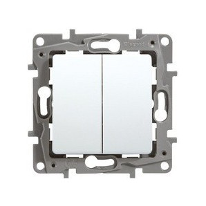 Legrand Niloe - Switch double 1p 10a white LEGRAND NILOÉ 664702