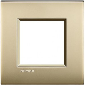 Bticino Livinglight - Placa Livinglight AIR Oro satinado 2 módulos LNE4802OF